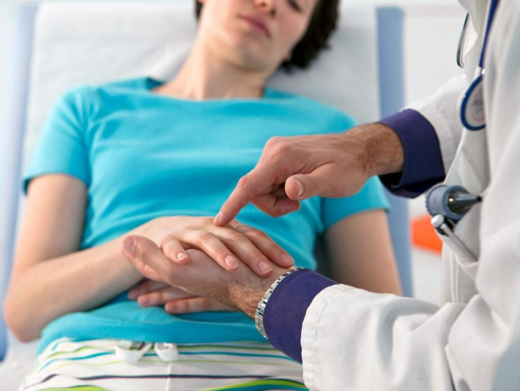 Know when to visit a rheumatologist